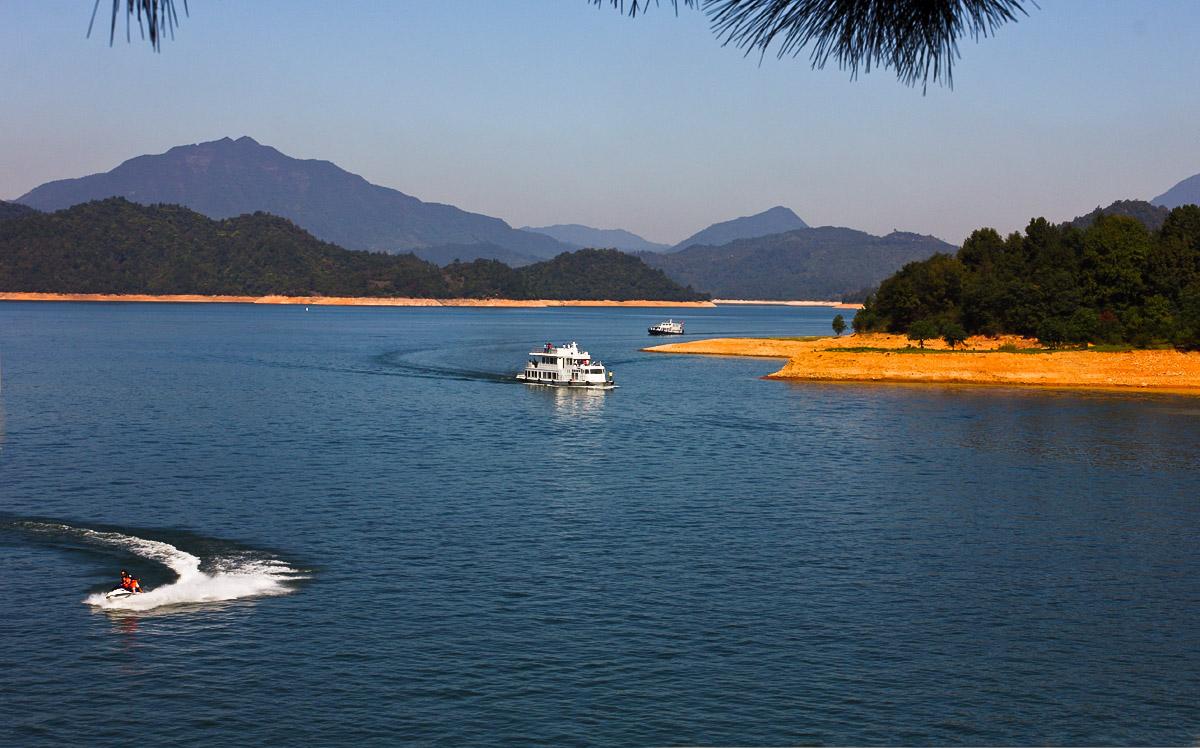 太平湖风景区总面积312.9平方公里,水域面积88.