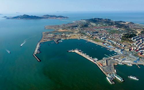 新闻    长岛列岛,山东唯一的海岛县,珍珠般散落在渤海海峡.