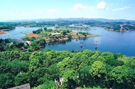 成都龙泉风景旅游区:绿树成荫 景色优美