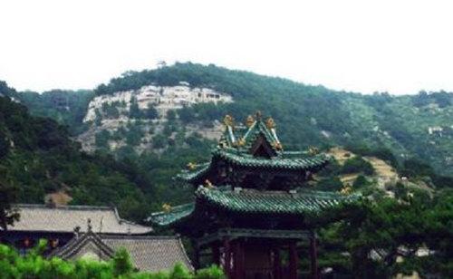 天龙山国家森林公园:山峦起伏层叠 古柏苍松泛翠